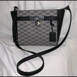 MICHAEL KORS SHOULDER BAG NWOT